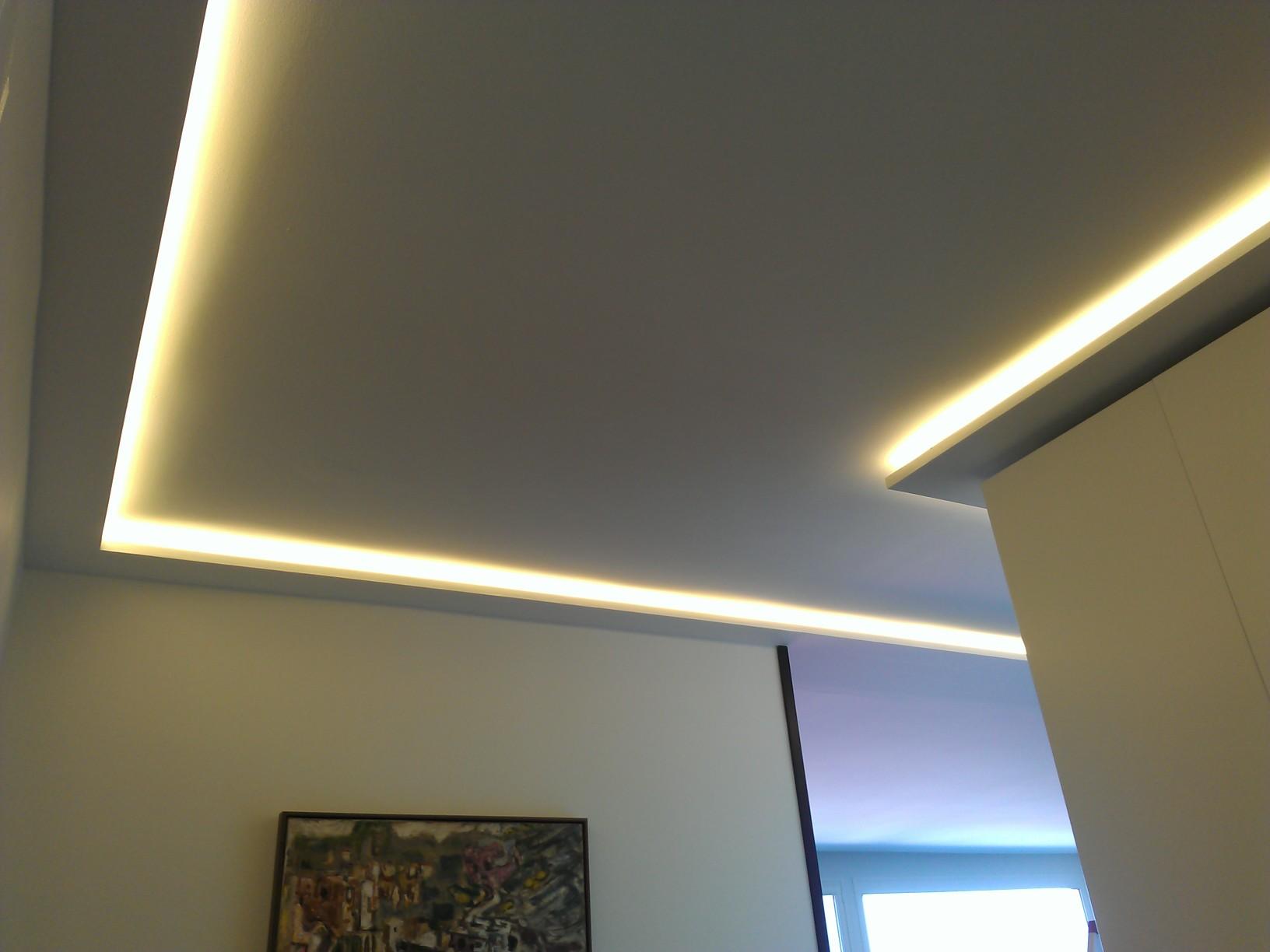 D coration gorge lumineuse led 77 brest gorge for Decoration faux plafond avec gorge lumineuse